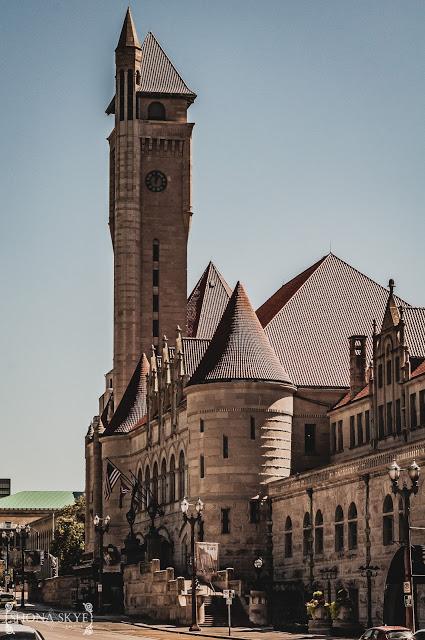 St. Louis, MO, Missouri, Union Station, Clock, Clocktower, Lamp Post, Time, HDR